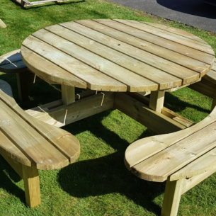 Dunmore Round Wooden Picnic Table