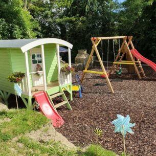 Huck Playhouse with Slide