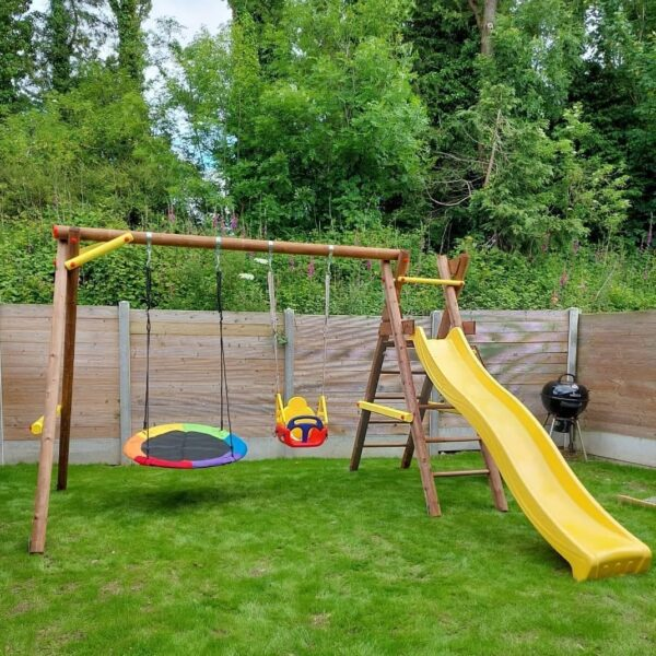 Bosse Play Unit with Nest Swing